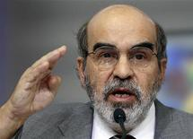 FAO director general Jose Graziano da Silva gestures as he speaks during a news conference at the FAO headquarters in Rome September 6, 2012. REUTERS/Alessandro Bianchi