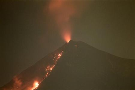 A view of the Fuego volcano in Alotenango, Sacatepequez region May 26, 2012. REUTERS/Jorge Dan Lopez