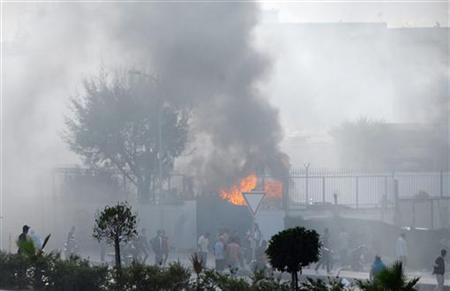 Protesters set fire to the American School in Tunis September 14, 2012. REUTERS/Zoubeir Souissi