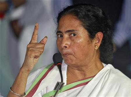Mamata Banerjee, Chief Minister of West Bengal, gestures during a news conference after a meeting of her Trinamool Congress party (TMC) in Kolkata September 18, 2012. REUTERS/Rupak De Chowdhuri
