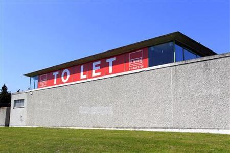 A vacant business unit displays a ''To Let'' sign in north Dublin May 28, 2012. REUTERS/Cathal McNaughton