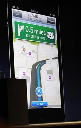 9月20日、米アップルが提供を開始した最新OSの「iOS6」に搭載されている地図アプリをめぐり、世界各国のユーザーから不満の声が相次いでいる。写真は6月、サンフランシスコで撮影(2012年 ロイター/Stephen Lam)