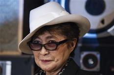 Yoko Ono is pictured before presenting the LennonOno Grant for Peace to Pyotr Verzilov, husband of convicted Pussy Riot band member Nadezhda Tolokonnikova, in New York September 21, 2012.REUTERS/Lucas Jackson