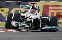 Michael Schumacher, da Mercedes, durante o segundo treino para o Grande Prêmio de F1 do Japão, no circuito Suzuka. 05/10/2012 REUTERS/Toru Hanai
