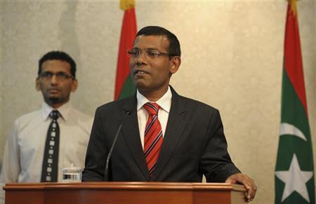 Maldives President Mohamed Nasheed announces his resignation in Male February 7, 2012. REUTERS/Stringer