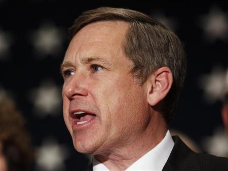 Senator works on tighter U.S. sanctions for Iran