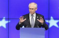 <p>Le président du Conseil européen, Herman Van Rompuy, a étoffé jeudi sa proposition de budget séparé pour les pays de la zone euro et indirectement mis en garde le Premier ministre britannique contre l'utilisation de son idée à des fins politiques. /Photo prise le 29 juin 2012/REUTERS/François Lenoir</p>