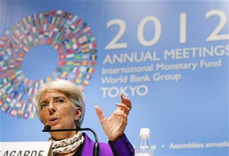 10月15日、過去に国際通貨基金(IMF)の緊急融資プログラムを実施して景気悪化の痛みを味わった国々は、憤懣(ふんまん)やる方ない気持ちだ。写真はラガルドIMF専務理事。13日撮影(2012年 ロイター)