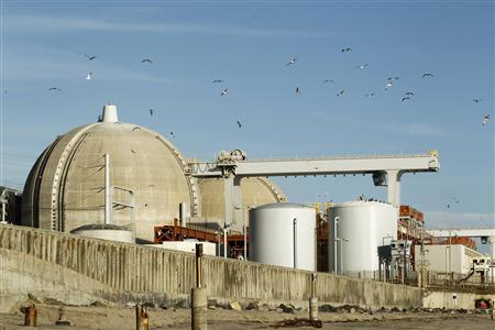 The San Onofre Nuclear Generating plant is seen on the shore of the Pacific Ocean in North San Diego County, California in this March 14, 2011 file photograph. REUTERS/Mike Blake/Files