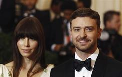 """Actors Justin Timberlake (R) and Jessica Biel arrive at the Metropolitan Museum of Art Costume Institute Benefit celebrating the opening of """"Schiaparelli and Prada: Impossible Conversations"""" exhibition in New York in this May 7, 2012 file photo. REUTERS/Lucas Jackson/Files"""