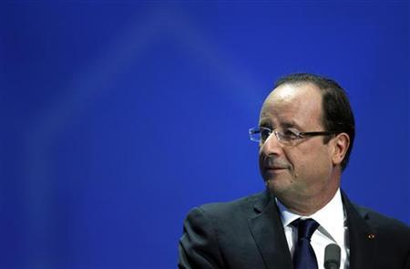 France's President Francois Hollande attends the French non-profit health insurance (Mutualite Francaise) congress in Nice October 20, 2012. REUTERS/Eric Gaillard