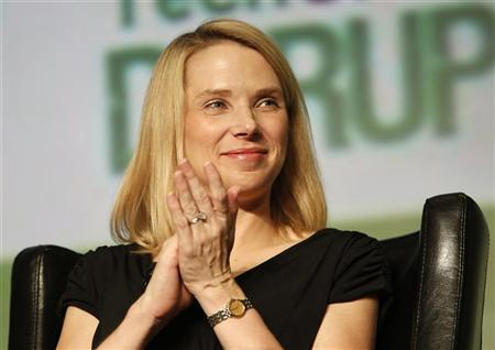 Yahoo! Chief Executive Marissa Mayer claps during a Startup Battlefield session at TechCrunch Disrupt SF 2012 at the San Francisco Design Center Concourse in San Francisco, California September 12, 2012. REUTERS/Stephen Lam
