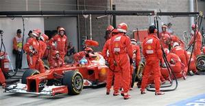 O espanhol Fernando Alonso, da Ferrari, durante o Grande Prêmio de F1 da Coreia do Sul no circuito internacional da Coreia, em Yeongam. Prejudicados por um túnel de vento com defeitos, a Ferrari e Fernando Alonso devem agora adotar cautela com o vento no Grande Prêmio da Índia, no domingo, depois de ficarem para trás na disputa pelo campeonato mundial de Fórmula 1. 14/10/2012 REUTERS/Roslan Rahman/Pool