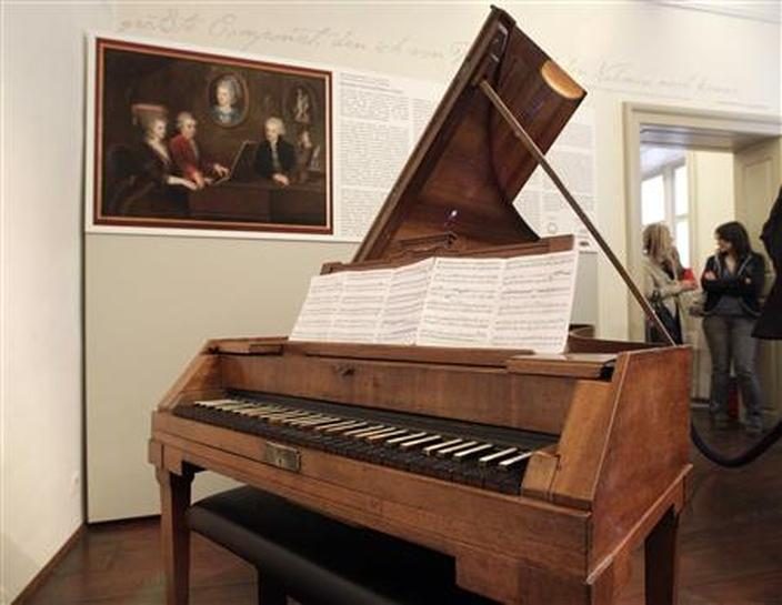 Mozart's piano returns home to Vienna - Reuters