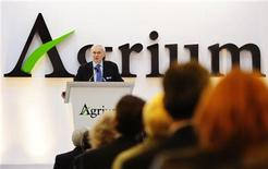 Michael Wilson, president and chief executive officer of Agrium, addresses shareholders at the company's annual general meeting in Calgary, Alberta, May 12, 2010. REUTERS/Todd Korol