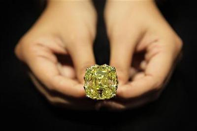 Singapore's diamond market shines on luxury, investment appeal