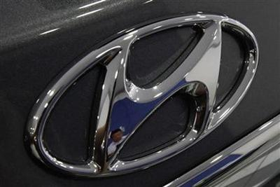 Hyundai Motor posts record Oct sales, but shares fall on recall talk