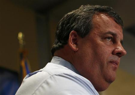 N.J.'s Christie opens offices for early voting; paper ballots ready