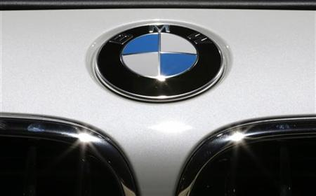 The BMW logo is seen on a BMW 650i xDrive car on media day at the Paris Mondial de l'Automobile, September 28, 2012. The Paris auto show opens its doors to the public from September 29 to October 14. REUTERS/Christian Hartmann (FRANCE - Tags: TRANSPORT BUSINESS LOGO)