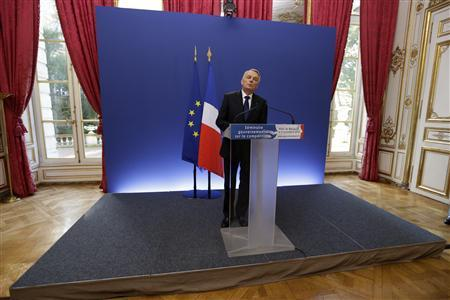 France eases labor costs via tax credits, VAT hike