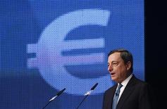 Il presidente della Bce, Mario Draghi, all'Economy Day 2012. Francoforte, 7 novembre 2012. REUTERS/Ralph Orlowski