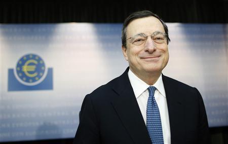 European Central Bank (ECB) President Mario Draghi arrives for a news conference in Frankfurt, November 8, 2012. REUTERS/Lisi Niesner