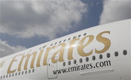 エミレーツ航空の「A380」が緊急着陸、エンジンから出火か