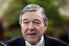 """Cardeal George Pell reconheceu """"com vergonha"""" a gravidade das acusações de abuso sexual. 20/11/2009 REUTERS/Daniel Munoz"""
