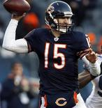 Chicago Bears quarterback Josh McCown drops back to pass during the fourth quarter of their NFL football game against the Seattle Seahawks at Soldier Field in Chicago December 18, 2011. REUTERS/Frank Polich