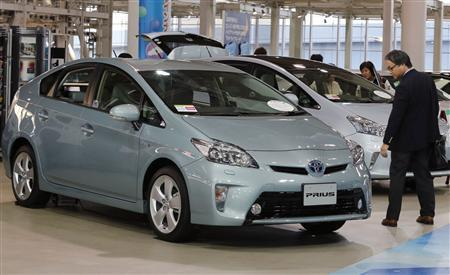 Toyota to recall 2 8 million vehicles for steering glitch - Reuters