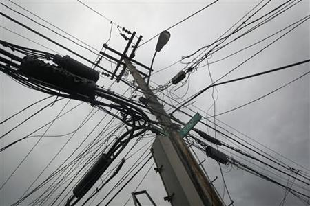 Lack of electricians delays New York recovery from Sandy