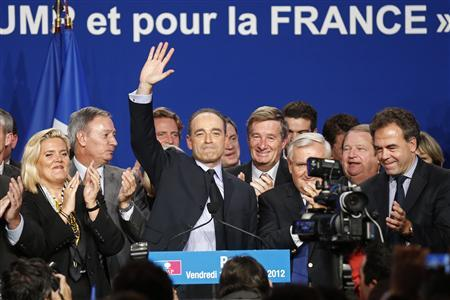 Jean-Francois Cope, candidate in the upcoming elections for the UMP political party's leadership, speaks at a political rally in Paris November 16, 2012. REUTERS/Benoit Tessier