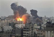 Israel intensificou ataques contra a Faixa de Gaza pelo sexto dia. 19/11/2012 REUTERS/Mohammed Salem