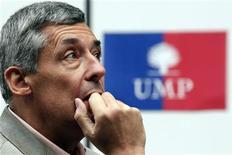 """<p>Henri Guaino, ancien conseiller spécial de Nicolas Sarkozy et soutien de Jean-François Copé pendant la campagne interne, a estimé mardi qu'""""il n'y avait pas de chef"""" à l'UMP à l'issue du scrutin très serré qui a porté Jean-François Copé à sa présidence. /Photo prise le 8 septembre 2012/REUTERS/Pascal Rossignol</p>"""