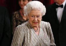 Britain's Queen Elizabeth arrives at the Royal Variety Performance at the Royal Albert Hall in London, November 19, 2012. REUTERS/Andrew Winning