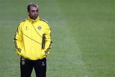 <p>Au lendemain d'une large défaite face à la Juve (3-0), Roberto Di Matteo, l'entraîneur de Chelsea, a été remercié par le club londonien, en raison des performances insuffisantes de l'équipe. /Photo prise le 6 novembre 2012/REUTERS/Stefan Wermuth</p>