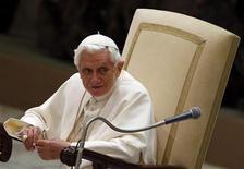 """<p>El Papa Benedicto XVI durante una audiencia en el Vaticano el miércoles. 21 de noviembre, 2012. El Papa Benedicto XVI pidió el miércoles a los líderes israelíes y palestinos que tomen """"decisiones valientes"""" para poner fin a un conflicto que, según el pontífice, corre el riesgo de extenderse al resto de Oriente Medio. REUTERS/Alessandro Bianchi</p>"""