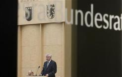 Il presidente del Bundesrat tedesco Horst Seehofer durante un discorso alla camera alta a Berlino. REUTERS/Thomas Peter