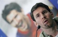 El récord de 85 goles en un año logrado por el ex delantero de Alemania y del Bayern de Múnich Gerd Müller se mantendrá en vigor un tiempo más después de que el Barcelona decidiera dar descanso a Lionel Messi para el partido de Copa del Rey contra el Alavés, de Segunda B, esta semana. En la imagen, Messi comparece en un acto publicitario el pasado 22 de noviembre. REUTERS/Albert Gea
