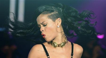 Singer Rihanna performs at The Forum in Kentish Town in London November 19, 2012. Rihanna is in the UK to promote her latest album ''Unapologetic''. REUTERS/Dylan Martinez