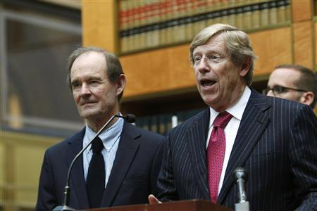 David Boies (L) and Ted Olson, representing the opponents of Proposition 8, attend a news conference after the hearing on the measure at the 9th District Court of Appeals in San Francisco in this December 6, 2010, file photo. REUTERS/Stephen Lam/Files