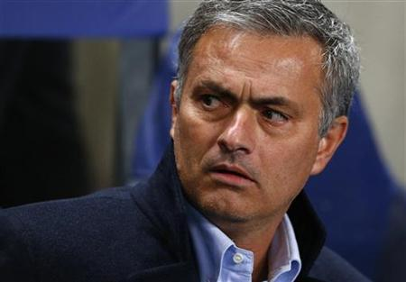 Mourinho to face disgruntled Real fans alone
