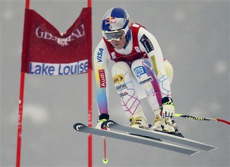 Alpine skiing: Vonn gets lucky 13th Lake Louise win