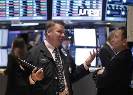 Traders work on the floor of the New York Stock Exchange, December 3, 2012. REUTERS/Brendan McDermid