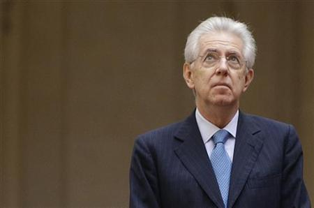 Italian Prime Minister Mario Monti looks up before a meeting with Lebanon's Prime minister Najib Mikati at Chigi Palace in Rome December 5, 2012. REUTERS/Tony Gentile