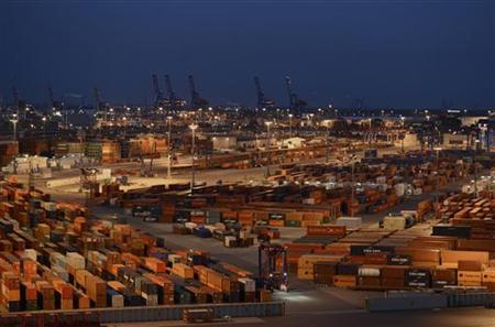 General view of the container terminal ''Burchardkai'' of the Hamburger Hafen und Logistik AG (HHLA) in the harbour of Hamburg, late October 17, 2012. REUTERS/Fabian Bimmer (GERMANY - Tags: BUSINESS MARITIME)
