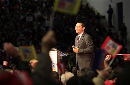 Social Liberal Union (USL) co-leader, leftist Romanian Prime Minister Victor Ponta, the president of Social Democrat Party, addresses during an electoral rally in Craiova, 230 km (143 miles) west of Bucharest December 7, 2012. REUTERS/Radu Sigheti