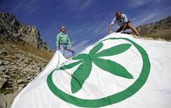 Una bandiera della Lega Nord. REUTERS/Giorgio Perottino