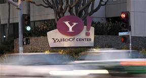 <p>Yahoo est l'une des valeurs à suivre lundi à Wall Street. Le groupe internet a conclu un accord avec NBC Sports stipulant que chacun va faire la promotion des contenus sportifs de l'autre. /Photo d'archives/REUTERS/Mario Anzuoni</p>