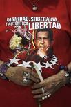 """El presidente Hugo Chávez se encuentra """"estable"""", pero se enfrenta a un postoperatorio """"complejo"""" tras una nueva cirugía por el cáncer que padece, dijo el miércoles por la noche el Gobierno de Venezuela, un delicado cuadro que acrecienta las dudas sobre sus posibilidades de seguir al mando de la potencia petrolera. En la imagen, una mujer viste una camiseta con la imagen del presidente venezolano durante una misa para rezar por su salud en Managua, el 12 de diciembre de 2012. REUTERS/Oswaldo Rivas"""